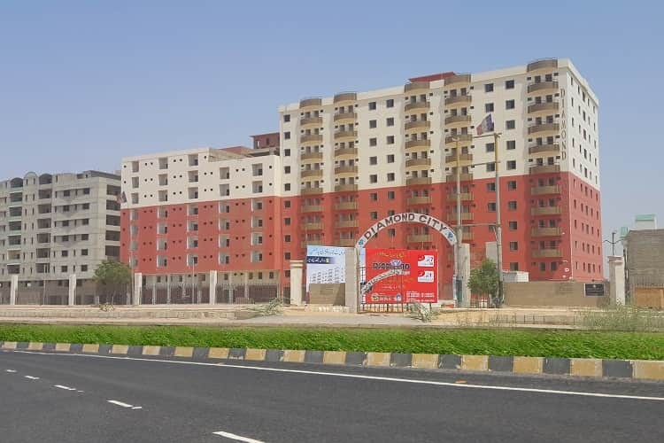 2 Bed Lounch 2nd Floor Flat for Sale in Diamond Tower