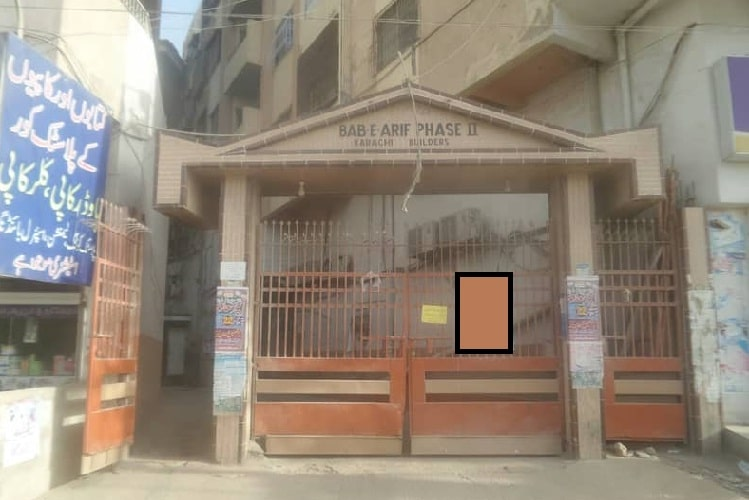5 Rooms Luxury Big Flat for Sale in Bab e Arif Nagan Chowrangi