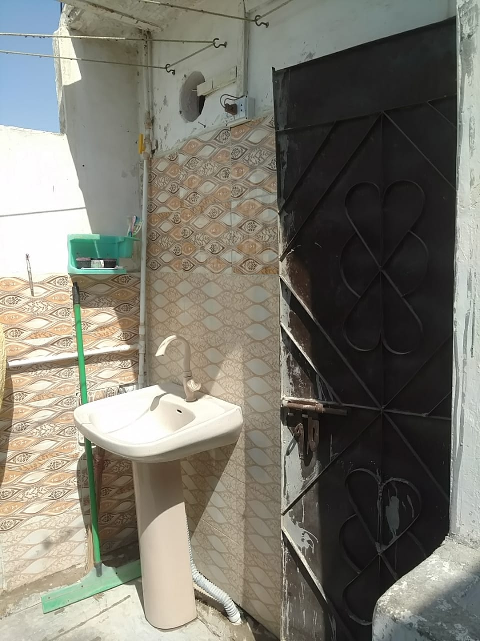 Urgent Sale - Home in Yousuf Goth (Surjani Town)