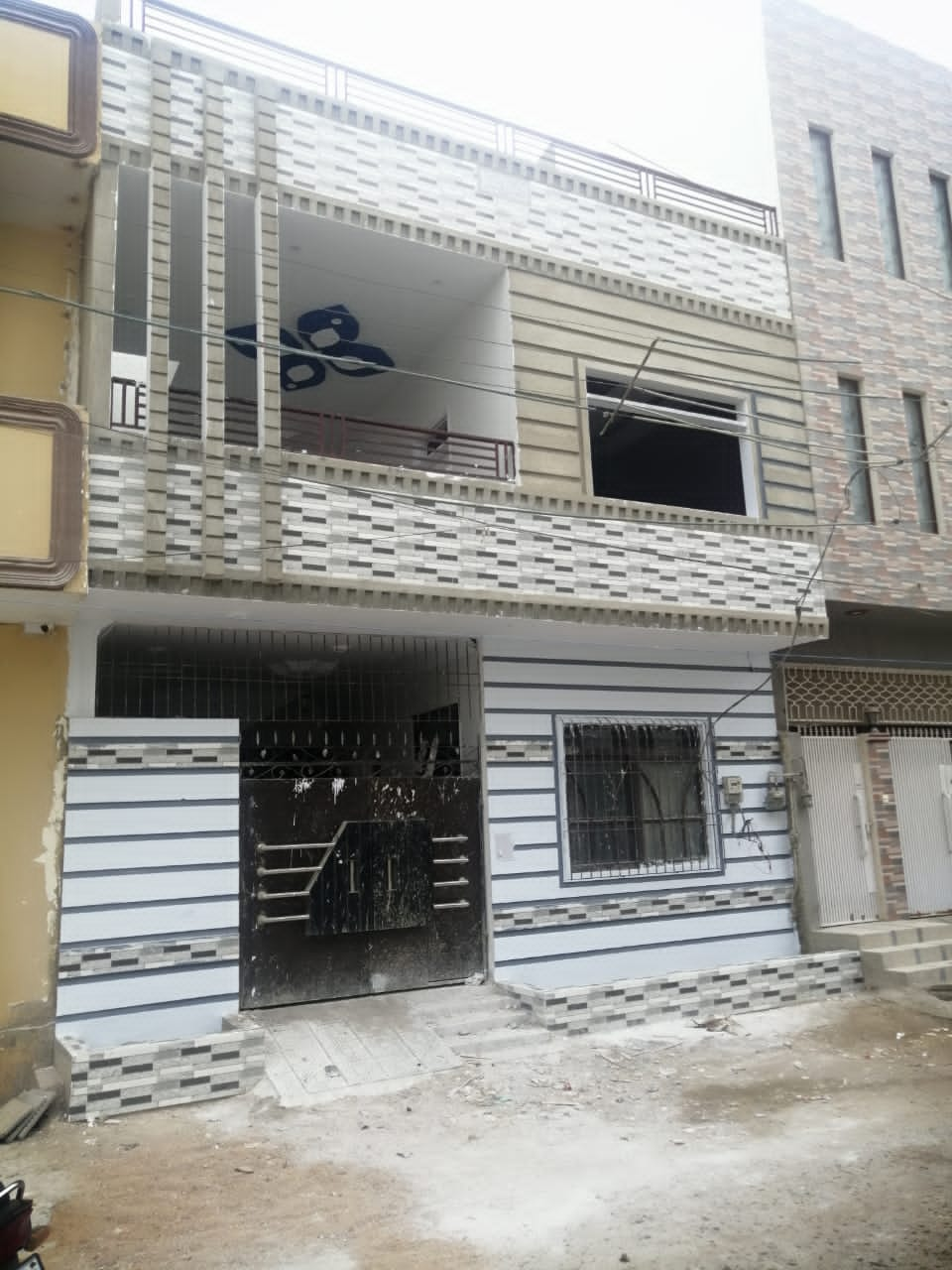Brand new 120 yards House For Sale Gulshan-e-Maymar